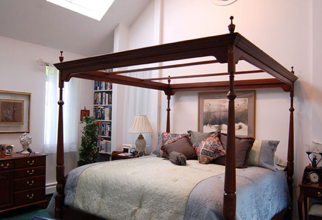 Gallery - master bedroom suite
