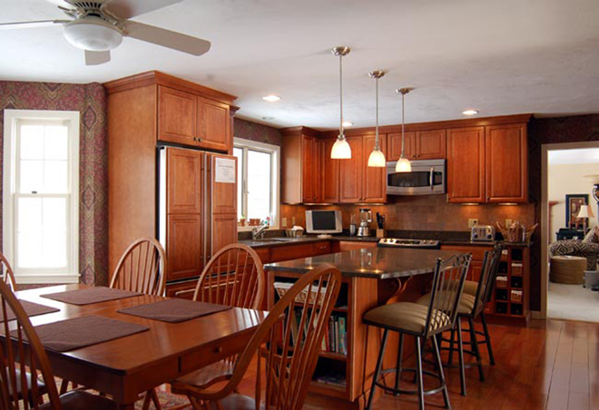 Kitchen Remodel, Kitchen remodeling, kitchen remodels, kitchen renovations, custom kitchen cabinets, counter tops, kitchen makeovers Worcester MA, Millbury MA, Central MA